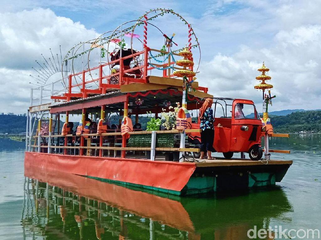Perahu Tradisional Jadi Ikon Baru Rawa Jombor di Klaten