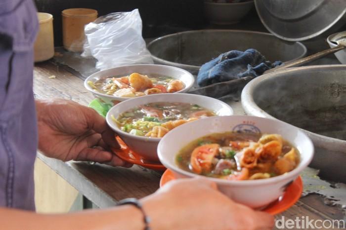 soto mie mang ohim 6 - Soto Mie Mang Ohim Populer Sejak 15 Tahun Lalu