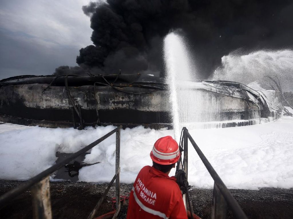 Detik-detik Ledakan Berujung Kebakaran di Kilang Balongan Versi Ombudsman
