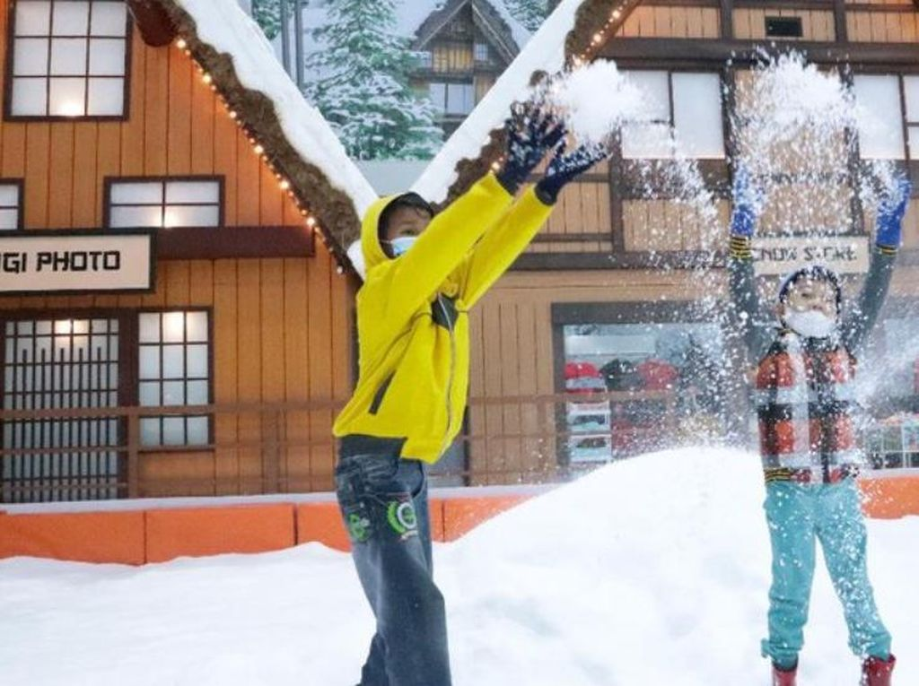 Yuk Nikmati Suasana Salju Jepang di Bintaro Saat Akhir Pekan!