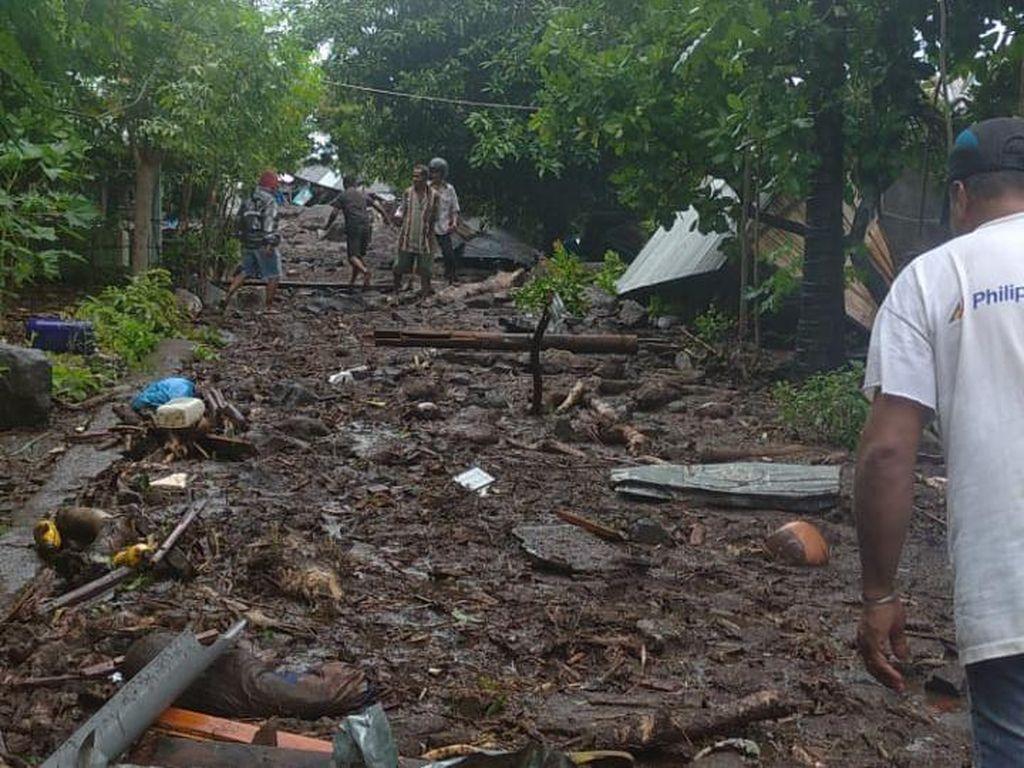 Banjir Bandang di Flores Timur NTT, Warga Butuh Tempat Mengungsi-Makanan