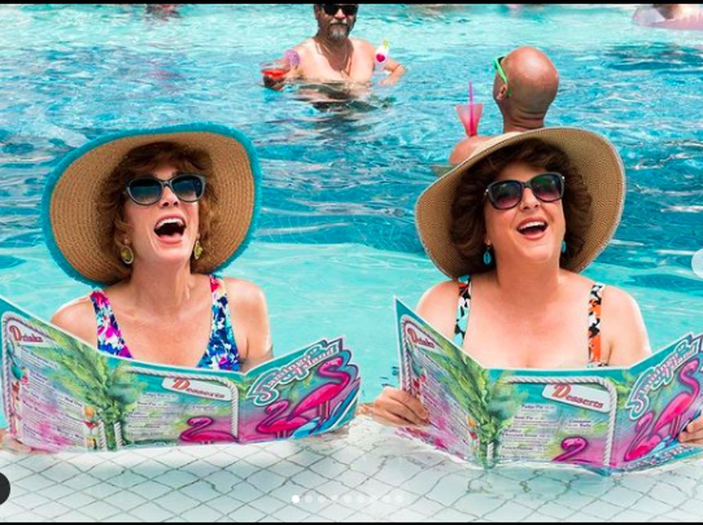 Barb and Star Go To Vista Del Mar: Ngakak Terus Selama Dua Jam