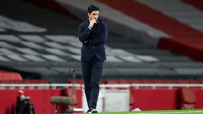LONDON, ENGLAND - APRIL 03: Mikel Arteta, Manager of Arsenal looks on during the Premier League match between Arsenal and Liverpool at Emirates Stadium on April 03, 2021 in London, England. Sporting stadiums around the UK remain under strict restrictions due to the Coronavirus Pandemic as Government social distancing laws prohibit fans inside venues resulting in games being played behind closed doors. (Photo by Catherine Ivill/Getty Images)