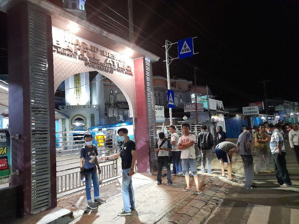 Polisi Pastikan Benda Mencurigakan di Depan Masjid Bengkulu Bukan Bom