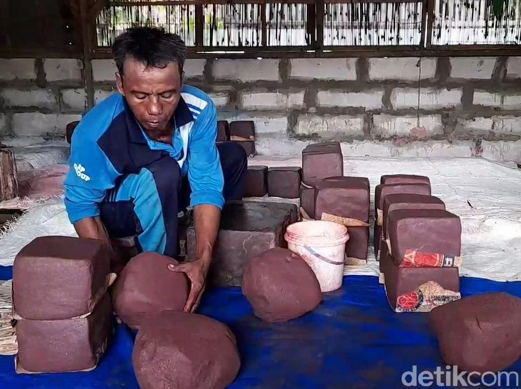 Begini Proses Pembuatan Terasi Tradisional di Kabupaten Tegal