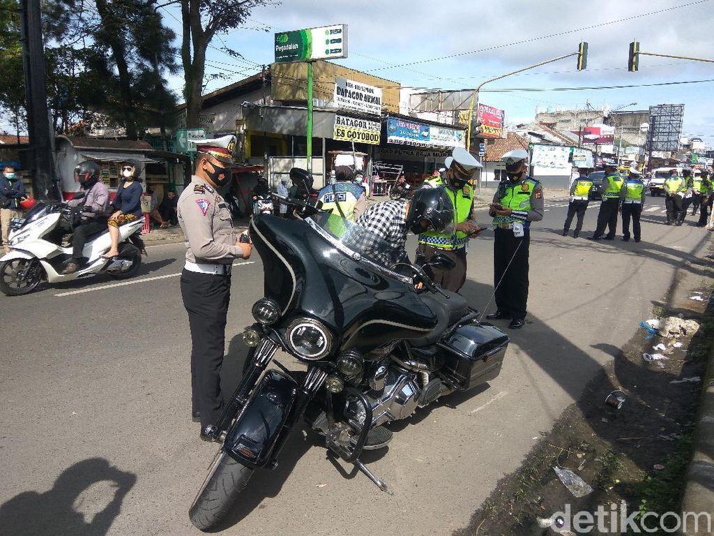 Puluhan Bikers Sunmori Berknalpot Bising Terjaring Razia di Lembang