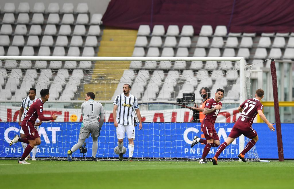 TURIN, ITALY - APRIL 03: Antonio Sanabria of Torino F.C. celebrates after scoring their team's first goal during the Serie A match between Torino FC and Juventus at Stadio Olimpico di Torino on April 03, 2021 in Turin, Italy. Sporting stadiums around Italy remain under strict restrictions due to the Coronavirus Pandemic as Government social distancing laws prohibit fans inside venues resulting in games being played behind closed doors. (Photo by Valerio Pennicino/Getty Images)