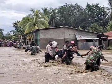 Banjir Bandang di NTT, Warga Butuh Tempat Mengungsi-Makanan