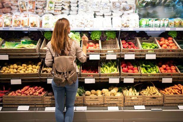 Diet bukan berarti mengurangi makanan, tapi membatasi konsumsi makanan yang kurang menyehatkan