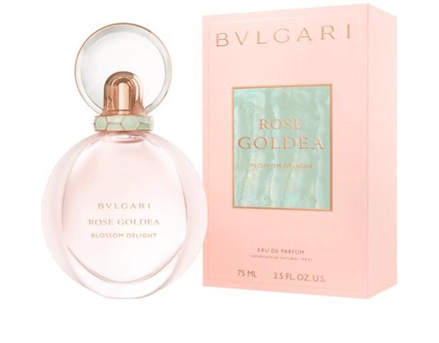 Parfum ini akan memberikan getaran seperti taman bunga yang sedang mekar tetapi tidak terlalu kuat. Dengan campuran bunga modern ini akan menangkap esensi feminitas.