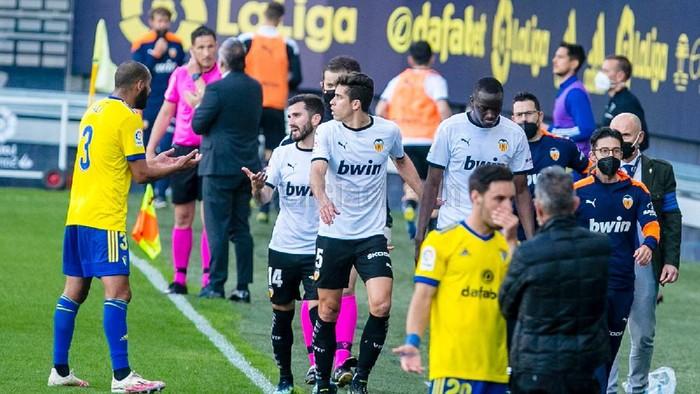 Pemain Valencia mogok main saat menghadapi Cadiz akibat pemainnya jadi korban rasisme