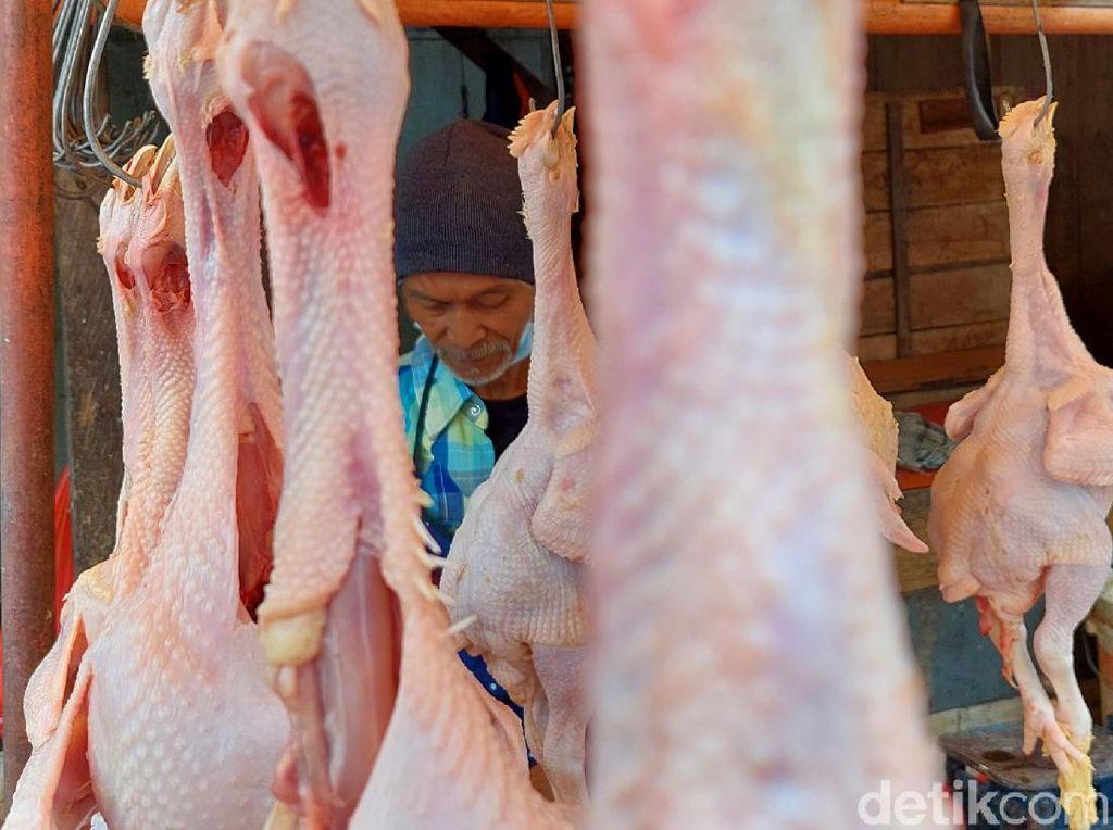 Ayam Ras hingga Daging Sapi Pacu Inflasi Bulan Ini