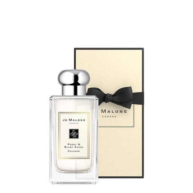 Sama seperti namanya, parfum dari Jo Malone ini campuran dari bunga peony yang menggairahkan dan berbaur dengan sensualitas suede yang lembut dan merona.