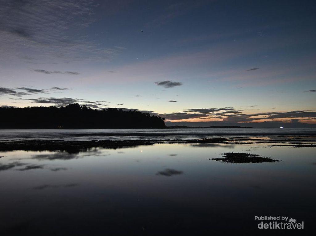 Pantai Legon Pari Banten yang Mempesona