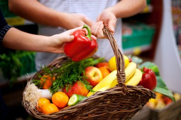 Perbanyak konsumsi makanan berbahan dasar sayur dan buah