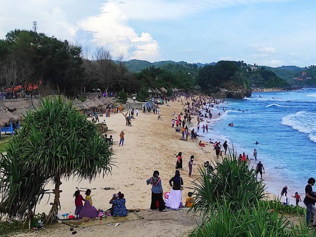 Ya Ampun! Susah Betul Wisatawan di Pantai Gunungkidul Patuhi Prokes