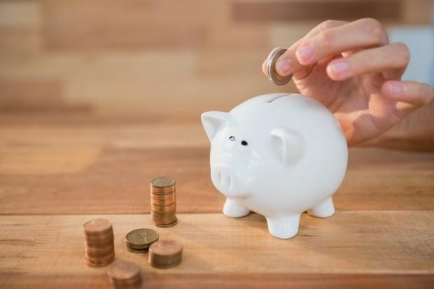 Satu-satunya penyebab mengapa kita sulit menabung adalah karena kita memiliki gaya hidup yang tidak sesuai dengan penghasilan yang kita dapatkan.