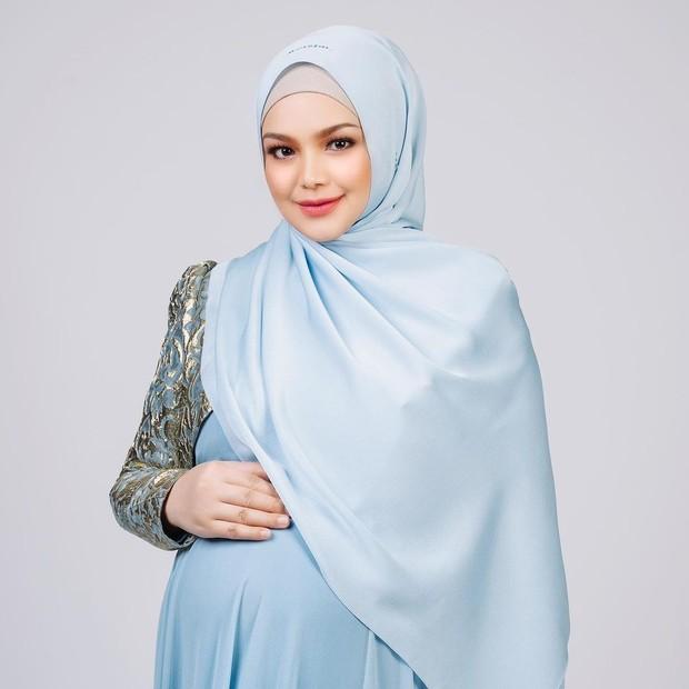 Foto maternity ala Siti Nurhalizah.