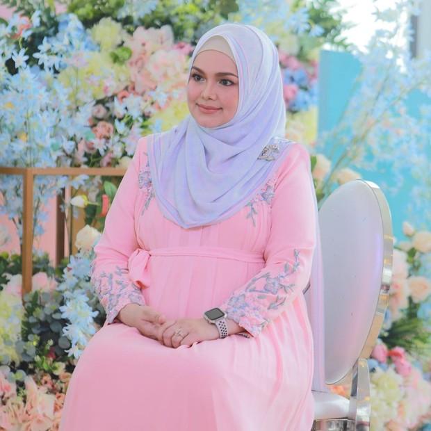 Maternity shoot ala Siti Nurhaliza.