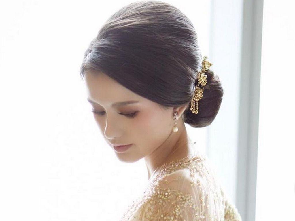 Sarah Menzel Disorot di Pernikahan Aurel dan Atta