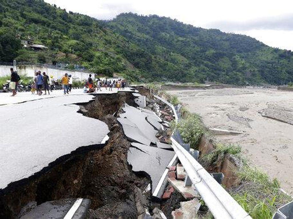 Dampak Bencana NTB-NTT, Telekomunikasi Lumpuh Gegara 102 Site Down