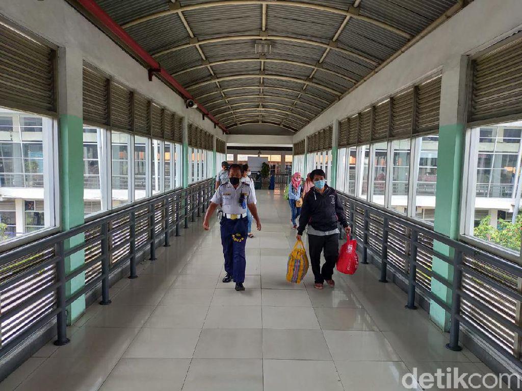 Jumlah Penumpang Terminal Bungurasih Naik Saat Long Weekend, Tapi...