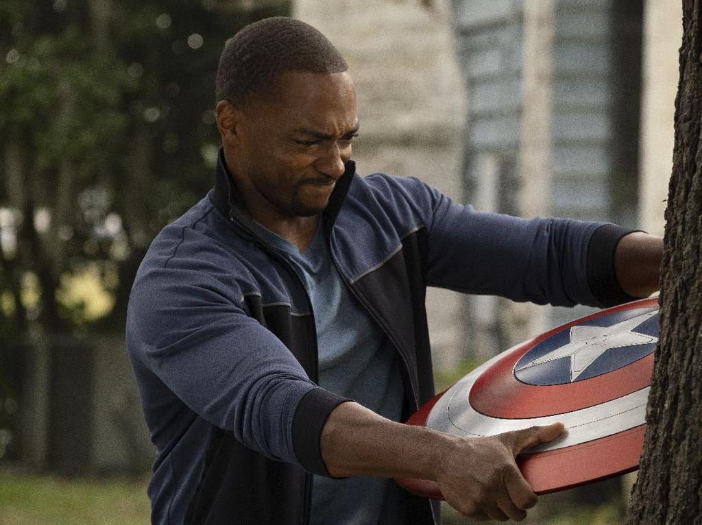 Anthony MackieTak Mau Perankan Captain AmericaLama-Lama