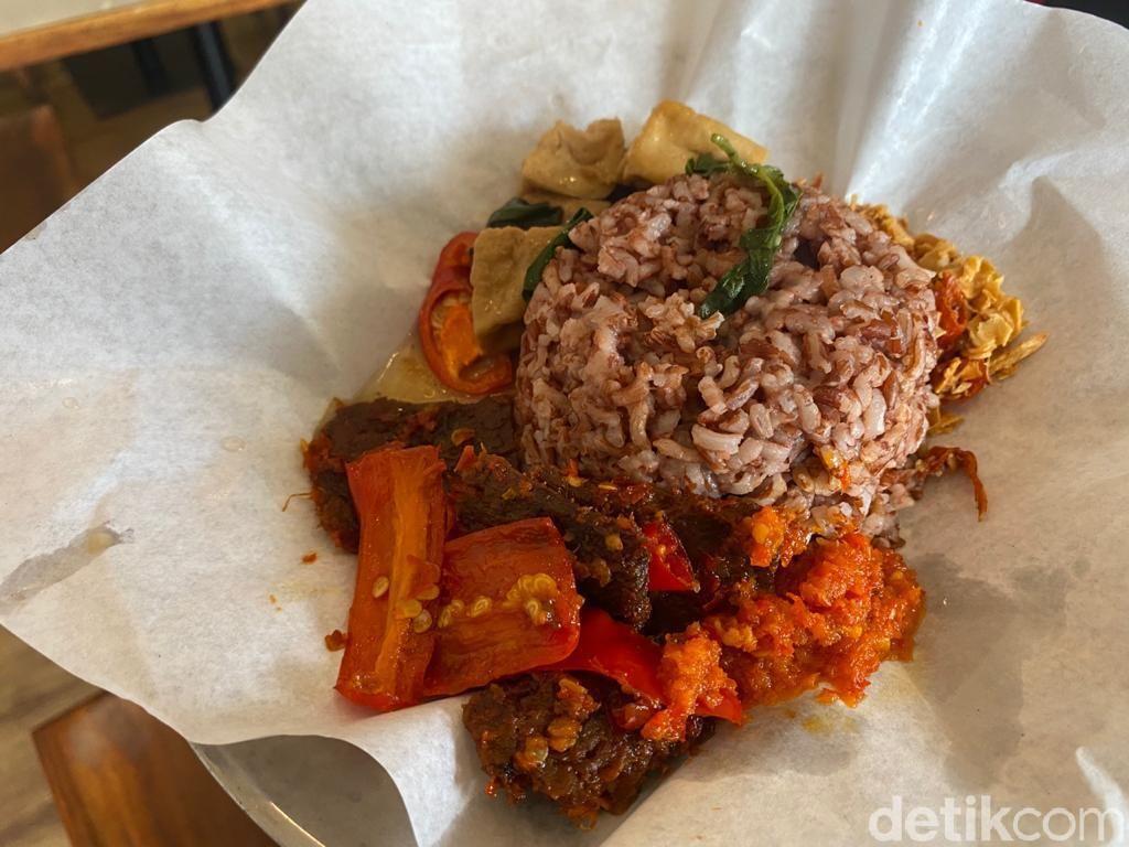 TIASA Plant Based : Lezatnya Dendeng Batokok dan Ayam Geprek Vegan