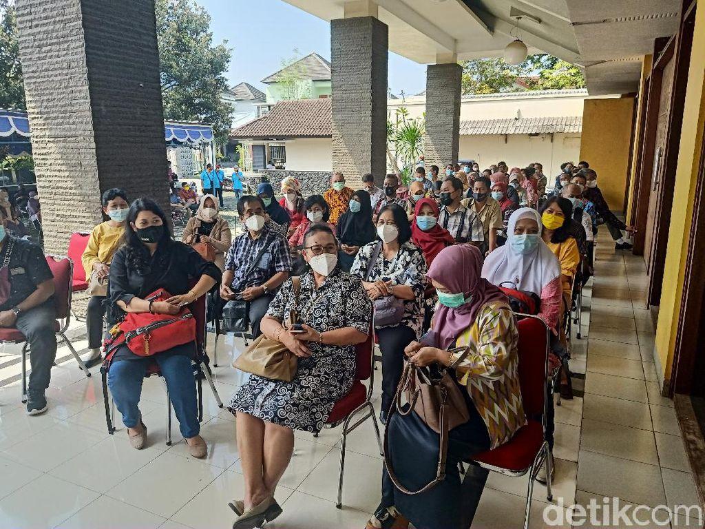 Jelang Kuliah Tatap Muka, Dosen-Pegawai 29 PTS Yogya Disuntik Vaksin Corona