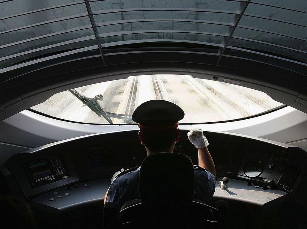 Begini Canggihnya Kereta Cepat China