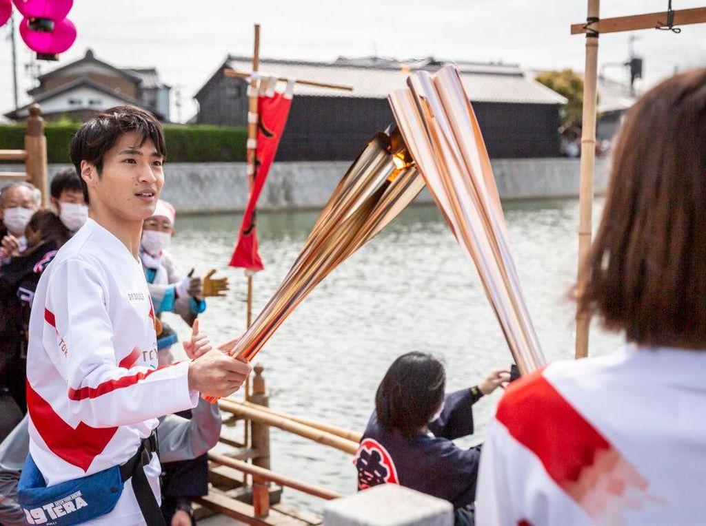Jepang Hentikan Pawai Obor Olimpiade Gegara Pandemi Covid-19