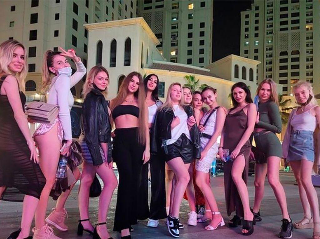 Ini Pose Puluhan Model yang Ditangkap karena Tampil Telanjang di Dubai