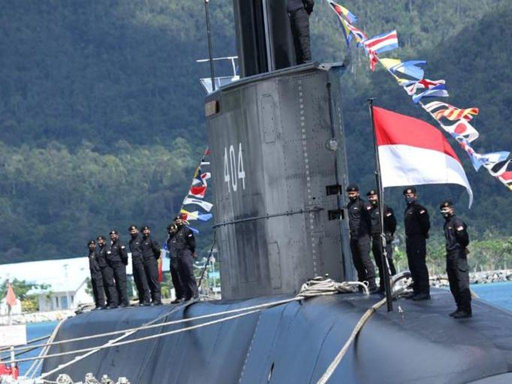 Ke Natuna, Panglima TNI Serahkan KRI Alugoro-405 ke Koarmada II