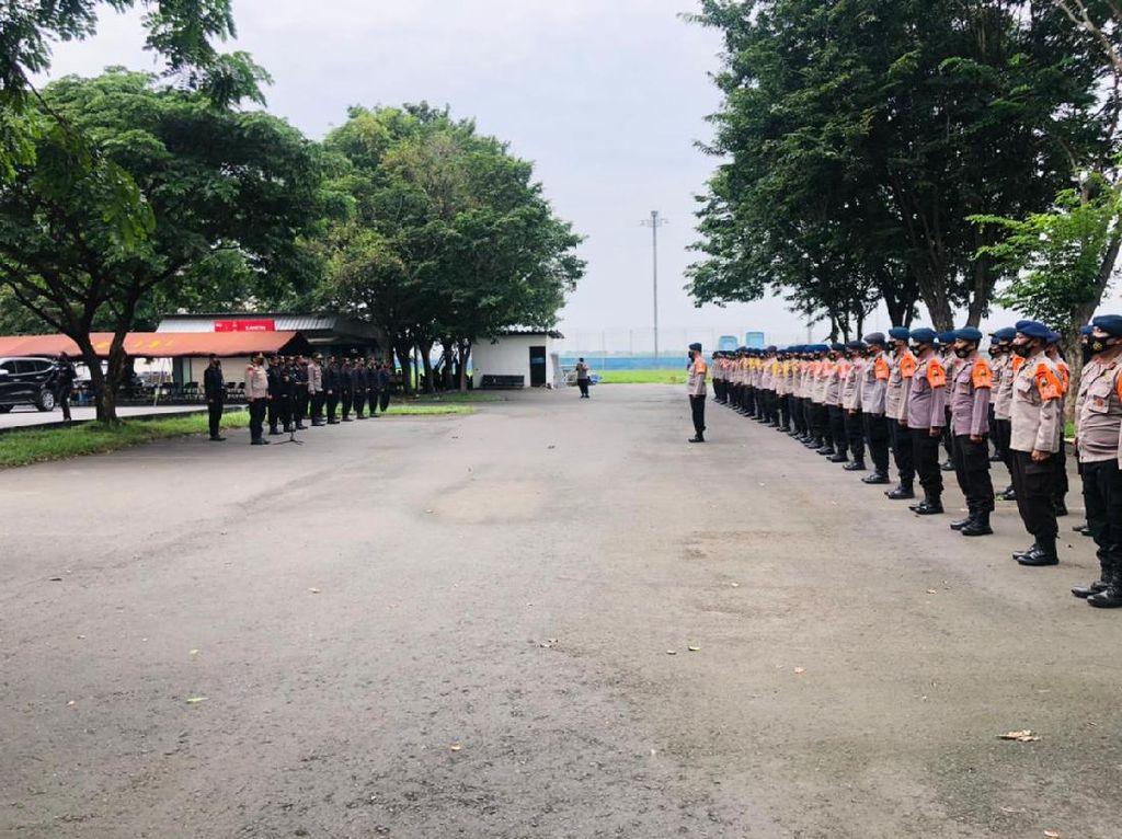 75 Personel Brimob Polda Jatim Dikirim ke NTT Bantu Korban Bencana Alam