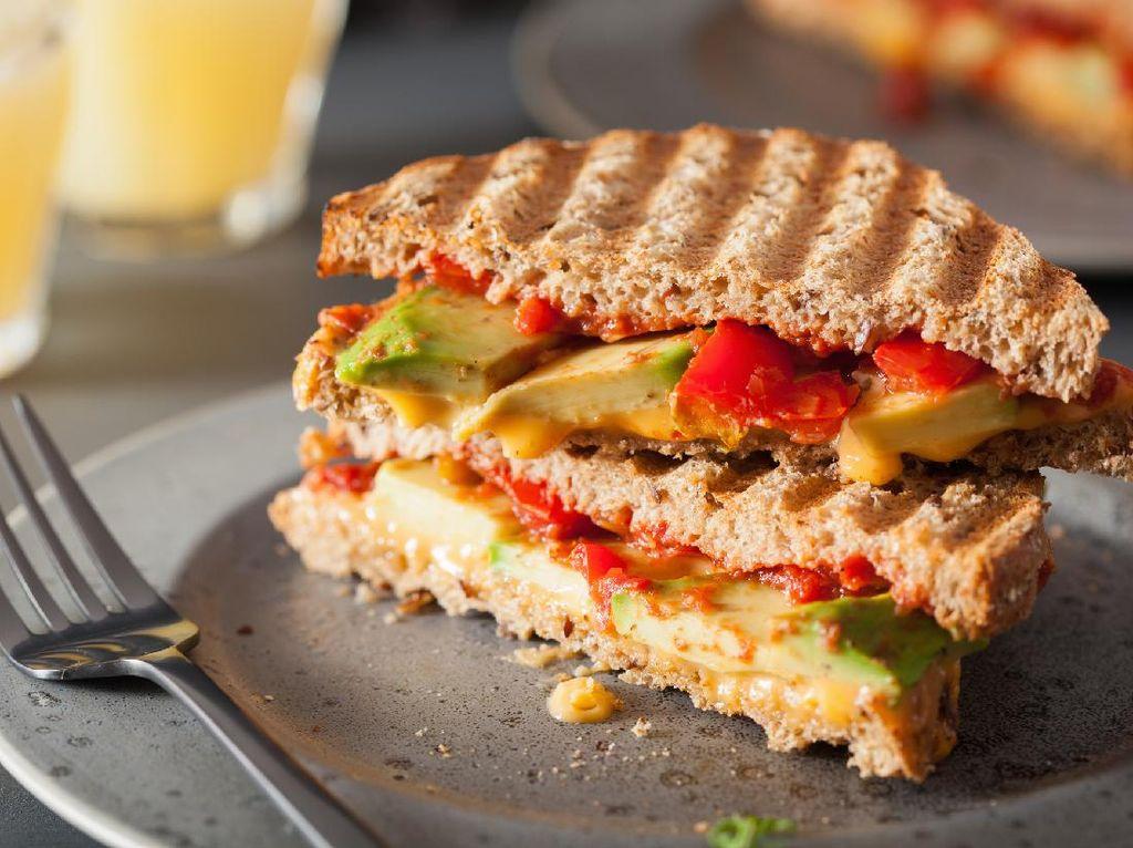 Resep Sandwich Keju,Tomat dan Alpukat Buat Sarapan Lengkap