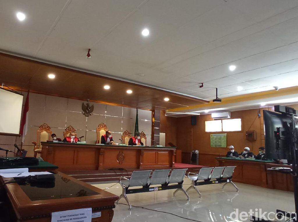 Jabar Banten Hari Ini: Habib Bahar Didakwa Penganiayaan-Abuya Uci Turtusi Wafat