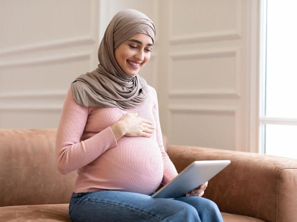 Mengenal Surat Maryam, Benarkah Baik Dibaca Bumil Agar Melahirkan Lancar?