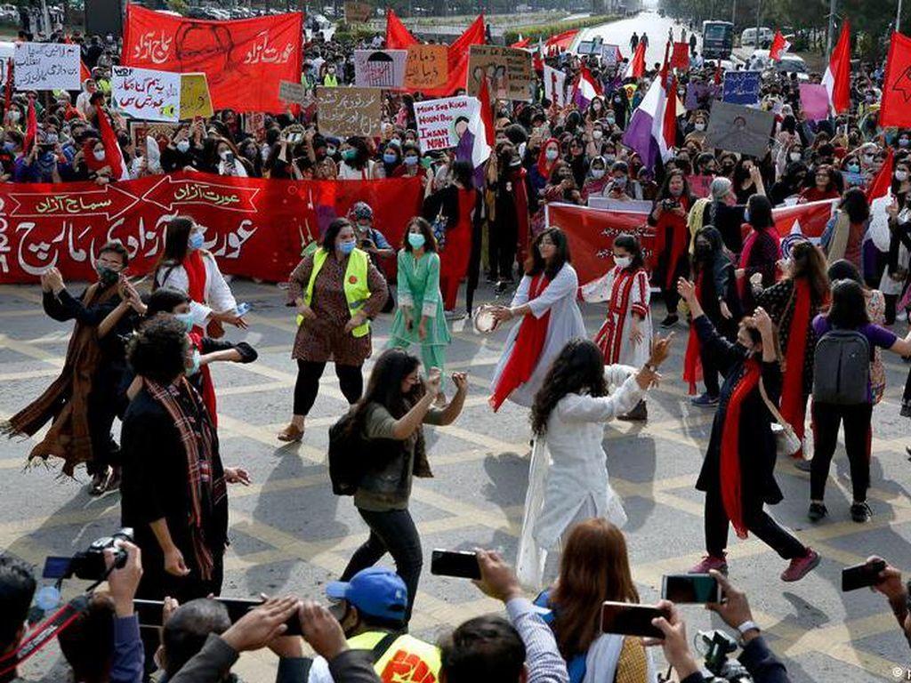 Aktivis Hak-hak Perempuan di Pakistan Hadapi Tuduhan Penistaan Agama