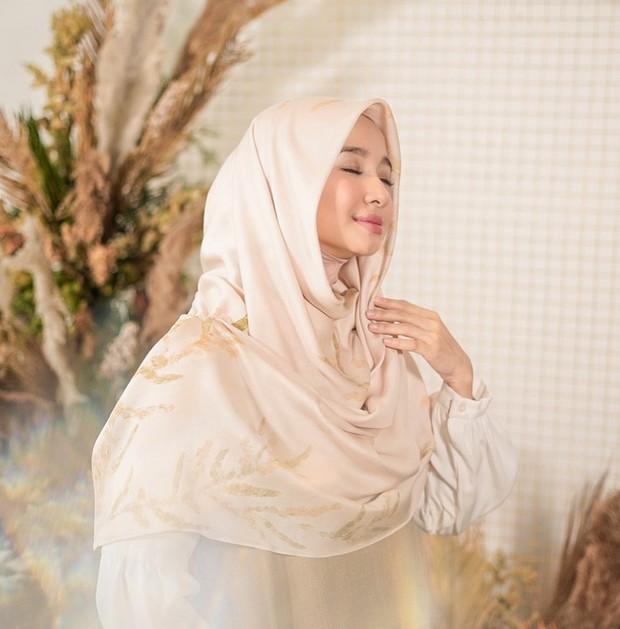 Hijab kreasi inner ninja yang tampak manis/instagram.com/laudyachynthiabella
