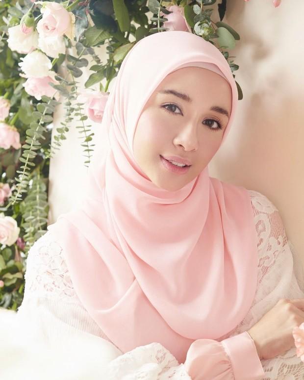 Hijab warna senada dengan busana yang dipakai/instagram.com/laudyachynthiabella