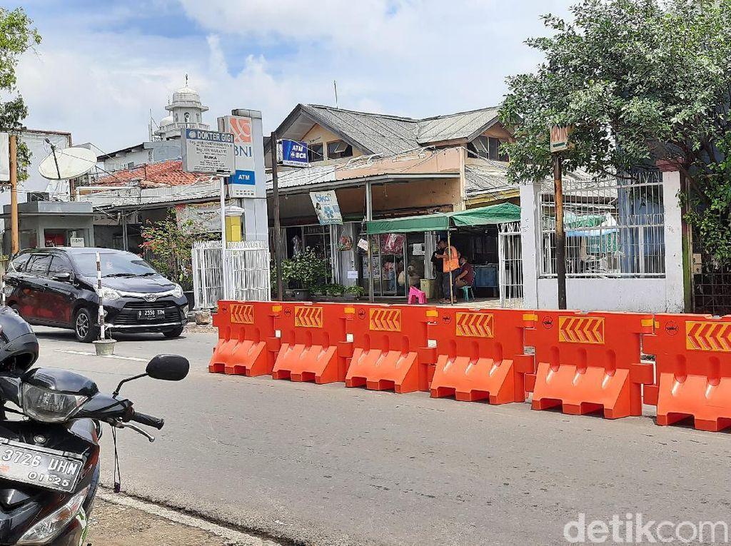Sepekan Menanti Solusi Macet, Barier di Jl Moh Kahfi I Belum Bertambah