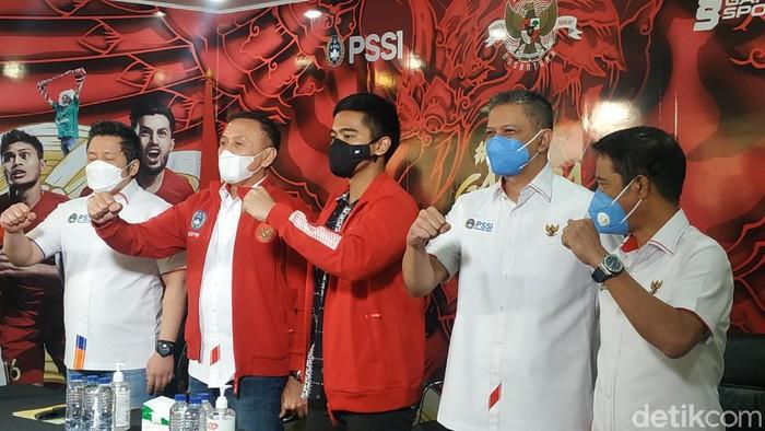 Kaesang Pangarep, bos Persis Solo, menyambangi kantor PSSI hari Rabu (7/4/2021).