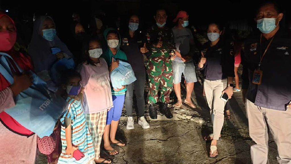 Korban Banjir NTT Terima Bantuan