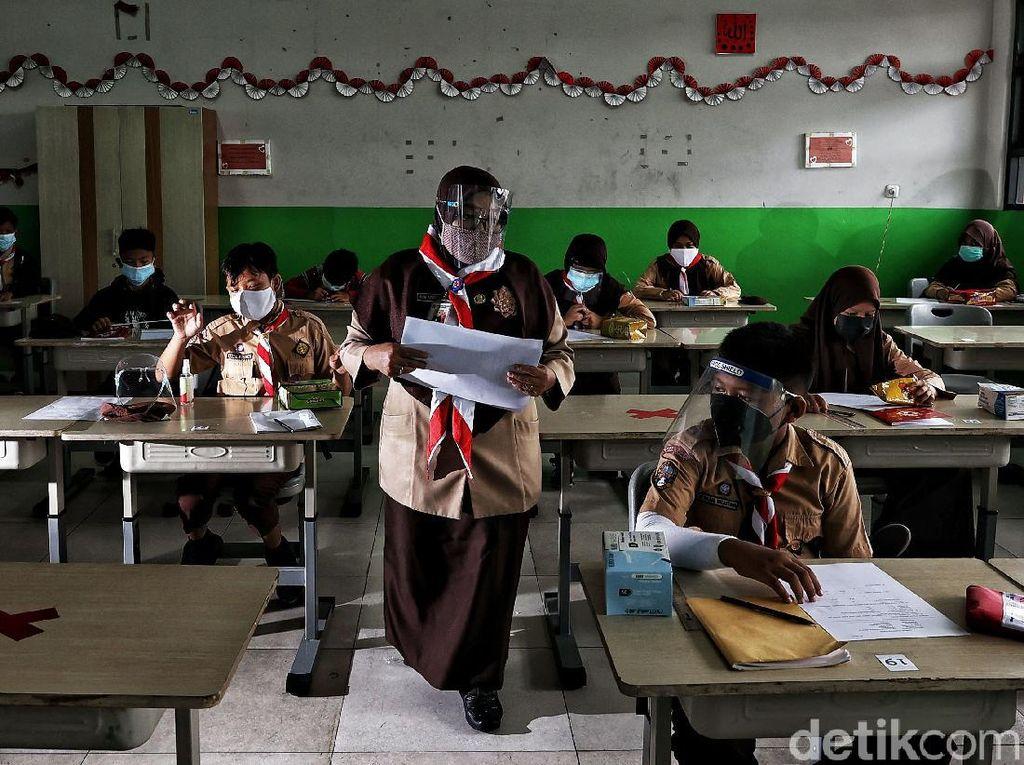 Pro-Kontra Sanksi untuk Sekolah yang Tatap Muka Saat PPKM Level 3-4