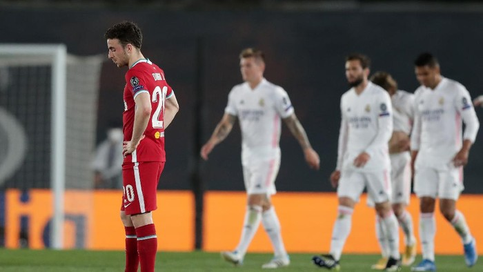MADRID, SPAIN - APRIL 06: Diogo Jota of Liverpool looks dejected during the UEFA Champions League Quarter Final match between Real Madrid and Liverpool FC at Estadio Alfredo Di Stefano on April 06, 2021 in Madrid, Spain. Sporting stadiums around Spain remain under strict restrictions due to the Coronavirus Pandemic as Government social distancing laws prohibit fans inside venues resulting in games being played behind closed doors. (Photo by Gonzalo Arroyo Moreno/Getty Images)