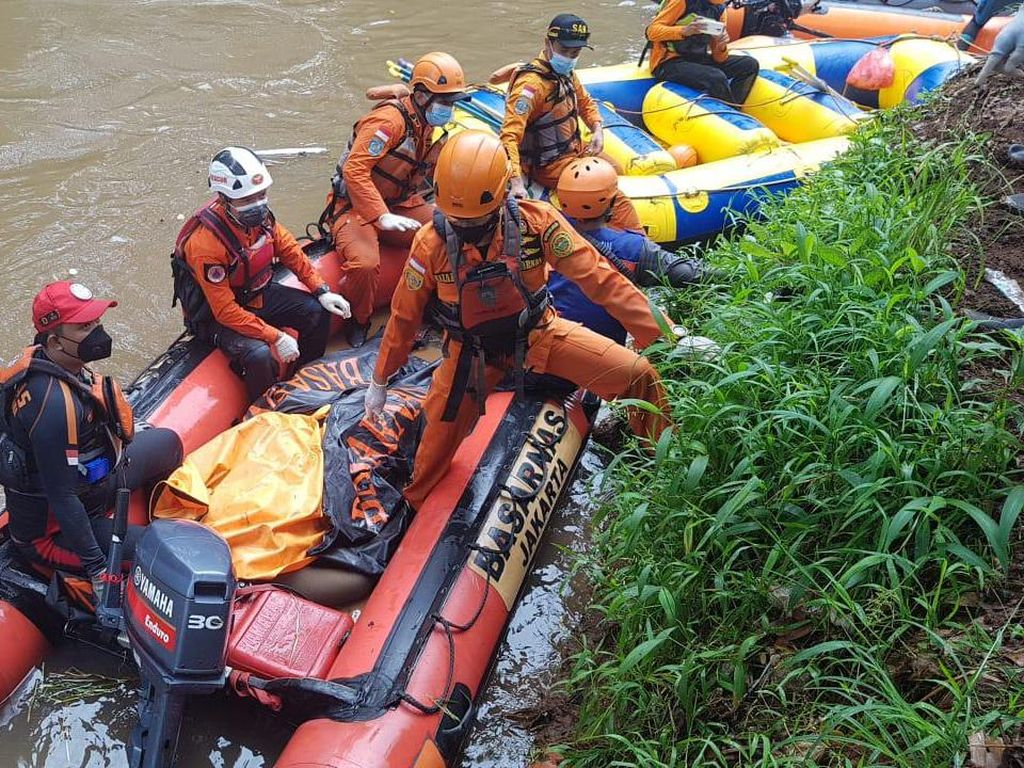 Remaja Tenggelam di Kali Pesanggrahan Jakbar Ditemukan Tewas