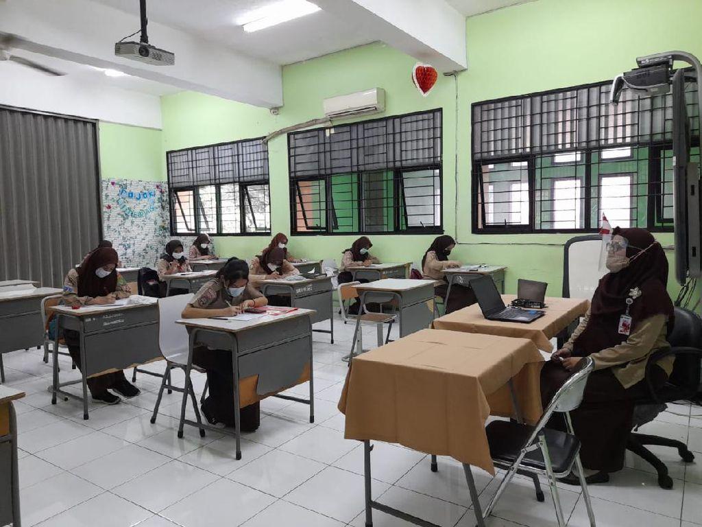 Cerita Siswa di Jaksel Mulai Sekolah Tatap Muka
