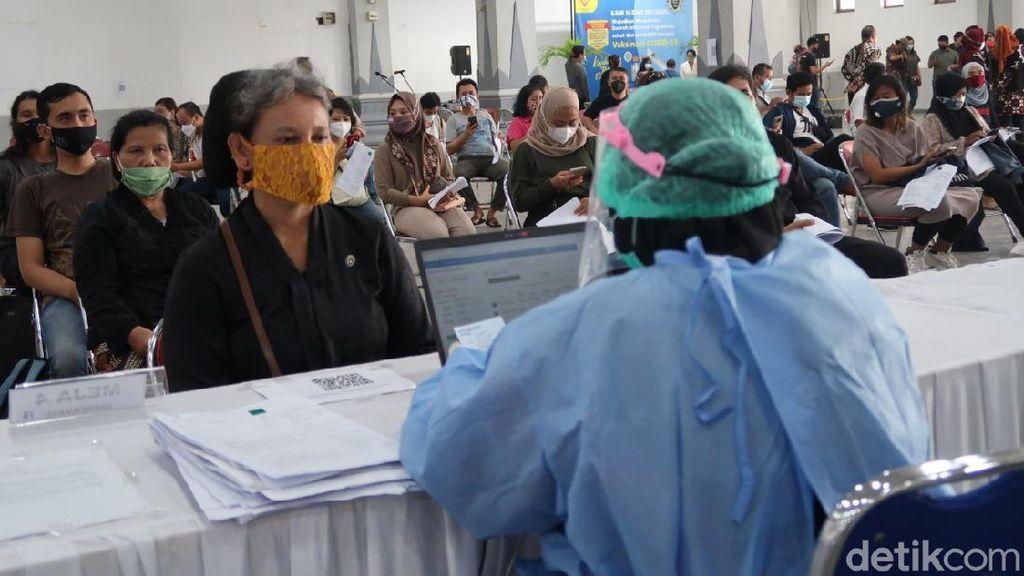 Vaksinasi Abdi Dalem Keraton Jogja