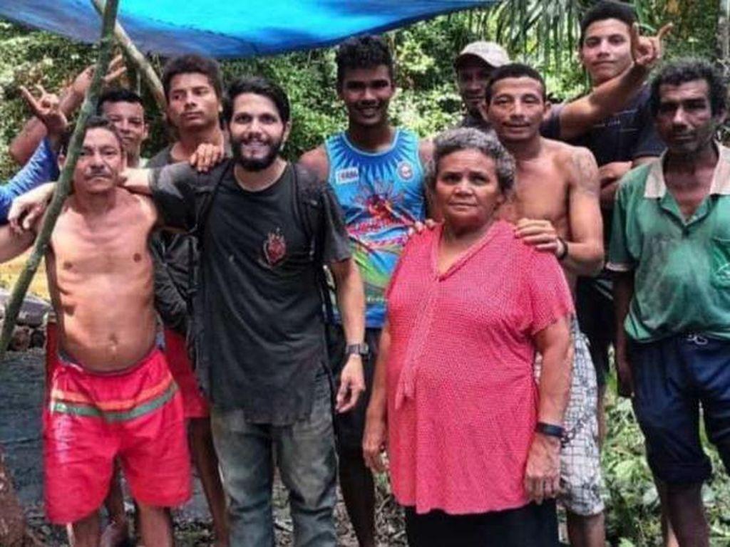 Pesawat Jatuh, Pilot Ini Bertahan Hidup 36 Hari di Amazon
