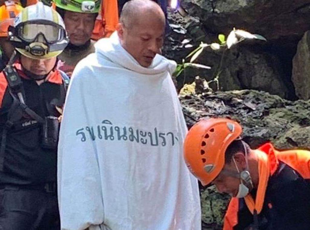 4 Hari Terjebak di Gua, Biksu Thailand Diselamatkan Penyelam